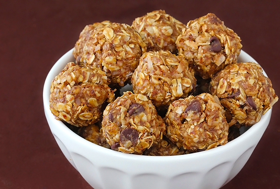 Picture of no bake energy bites